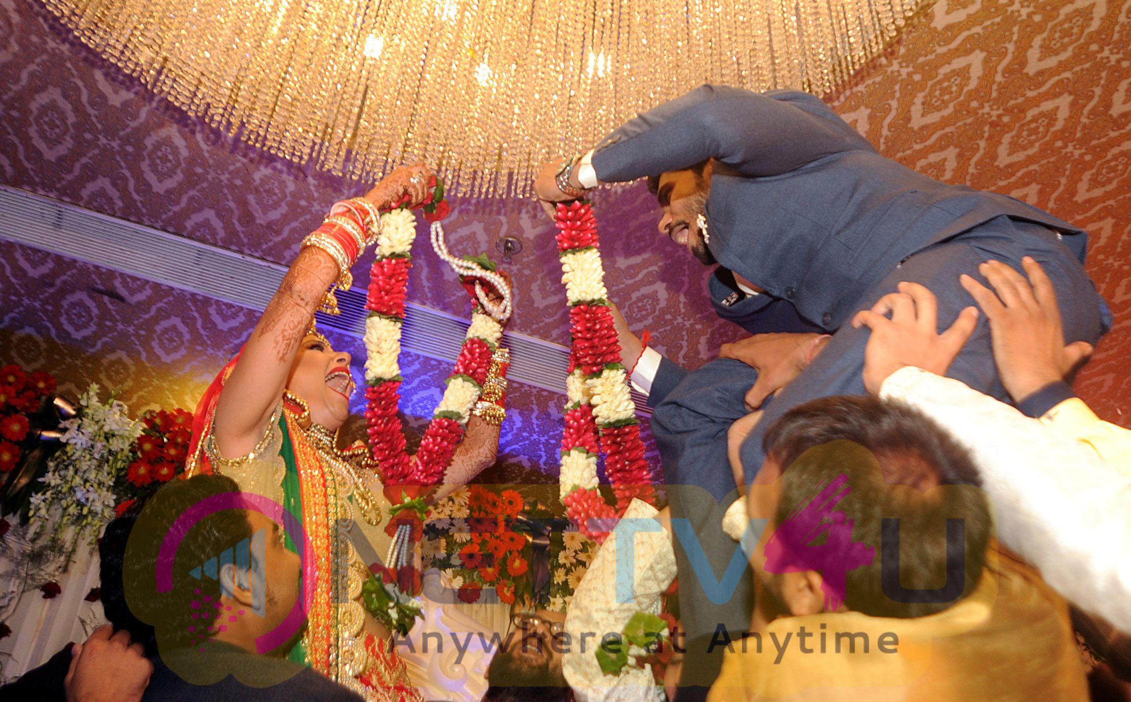 Bollywood Actress Sambhavna Seth Married With Avinash Dwivedi Exclusive Stills
