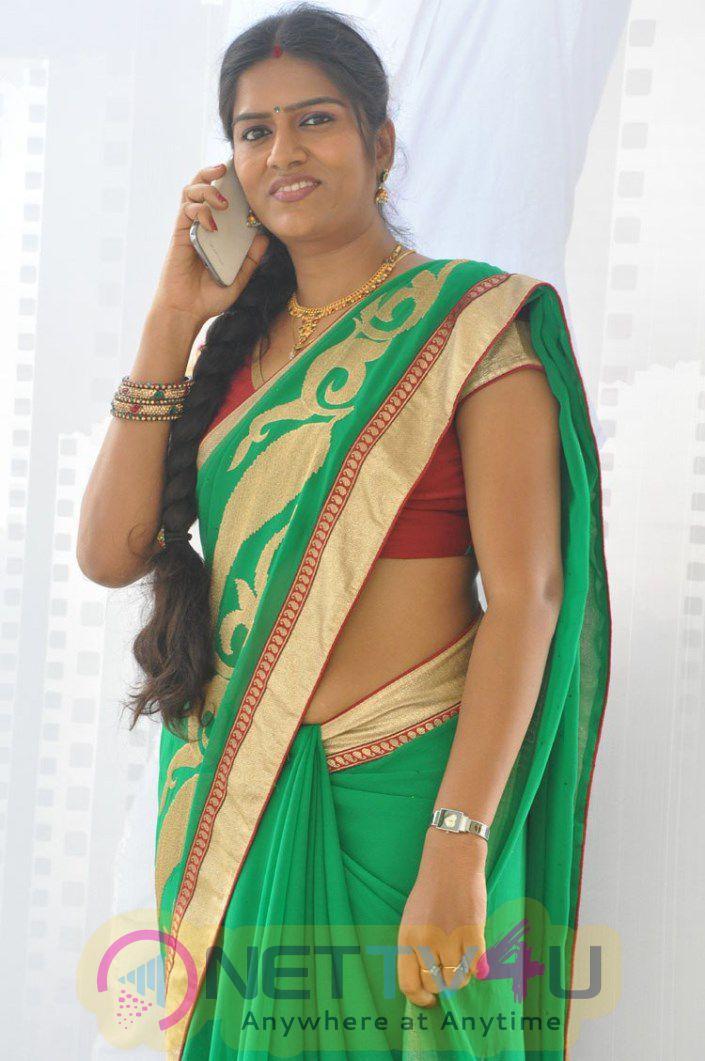 Bhavana Telugu Serial Actress Latest Photos In Saree Stills Telugu Gallery