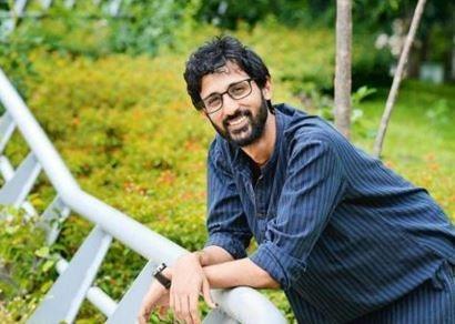 Bollywood Director Promotes Sandalwood Movie!
