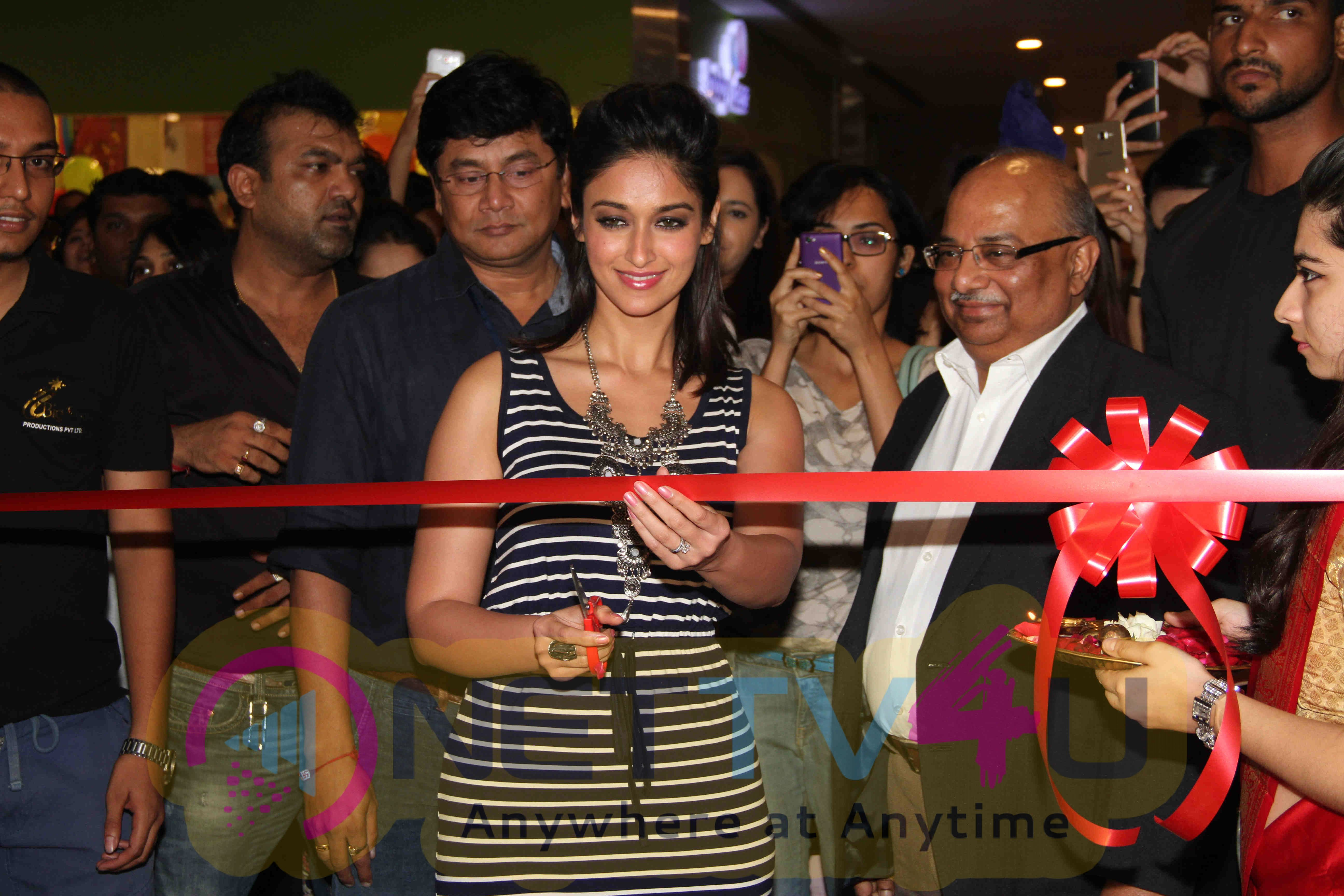 Bollywood Event Pictures Of Ileana D'cruz At The Launch Of Reliance Trends Concept Store