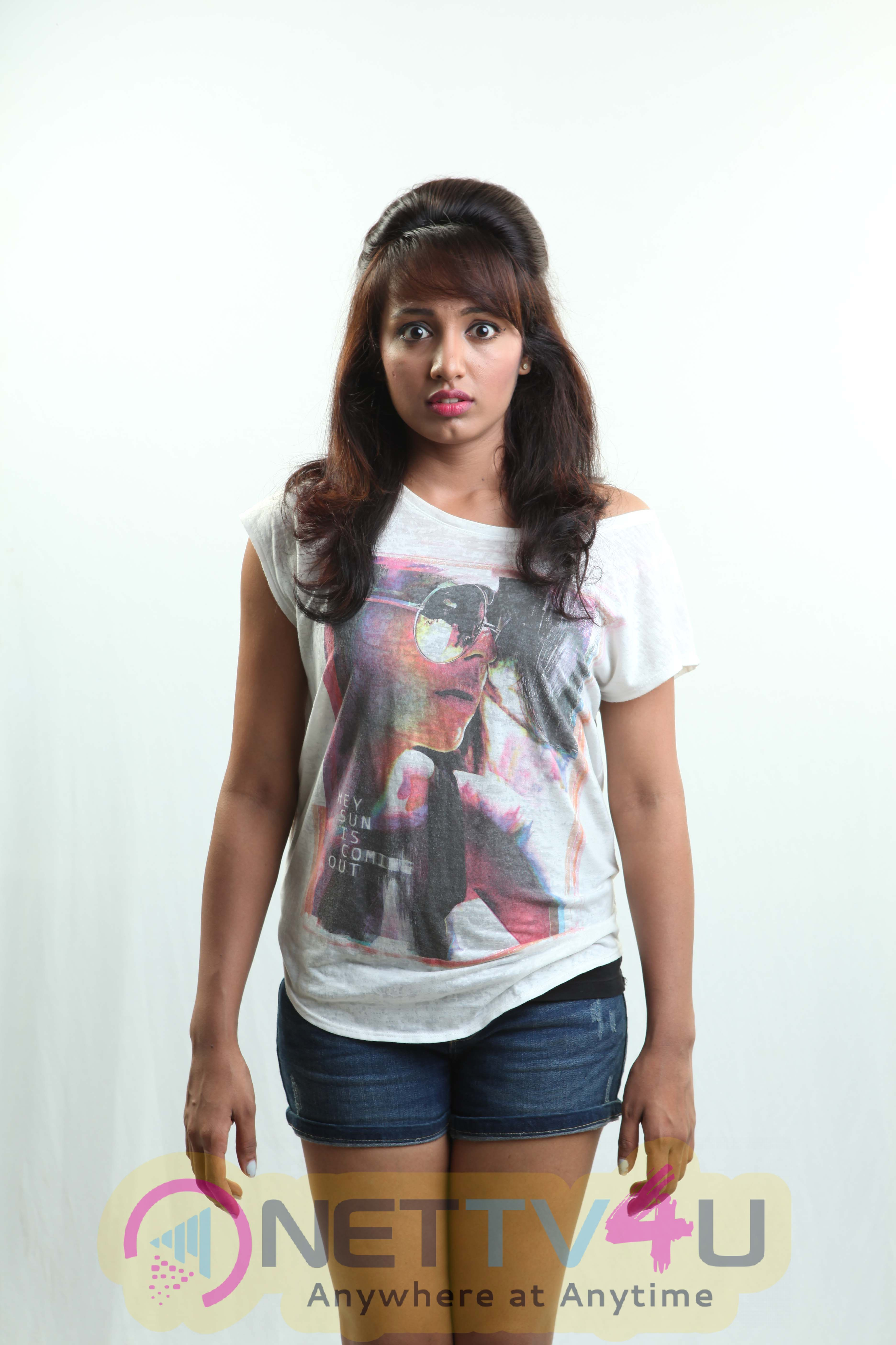 Choco Bar Tamil Movie First Look Gallerys