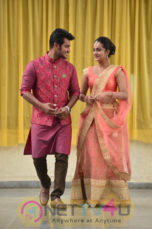 Chuttalabbayi Movie Working Stills Photos Gallery