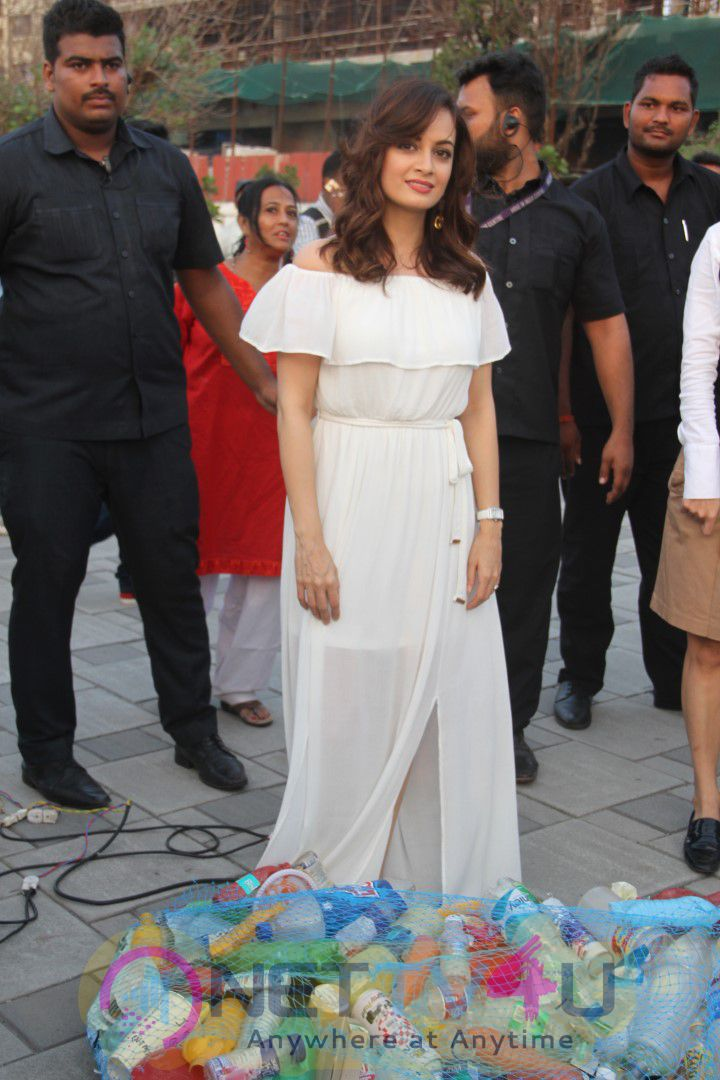 Dia Mirza Event At Worli Sea Face 19 October 2016 Lovely Photos
