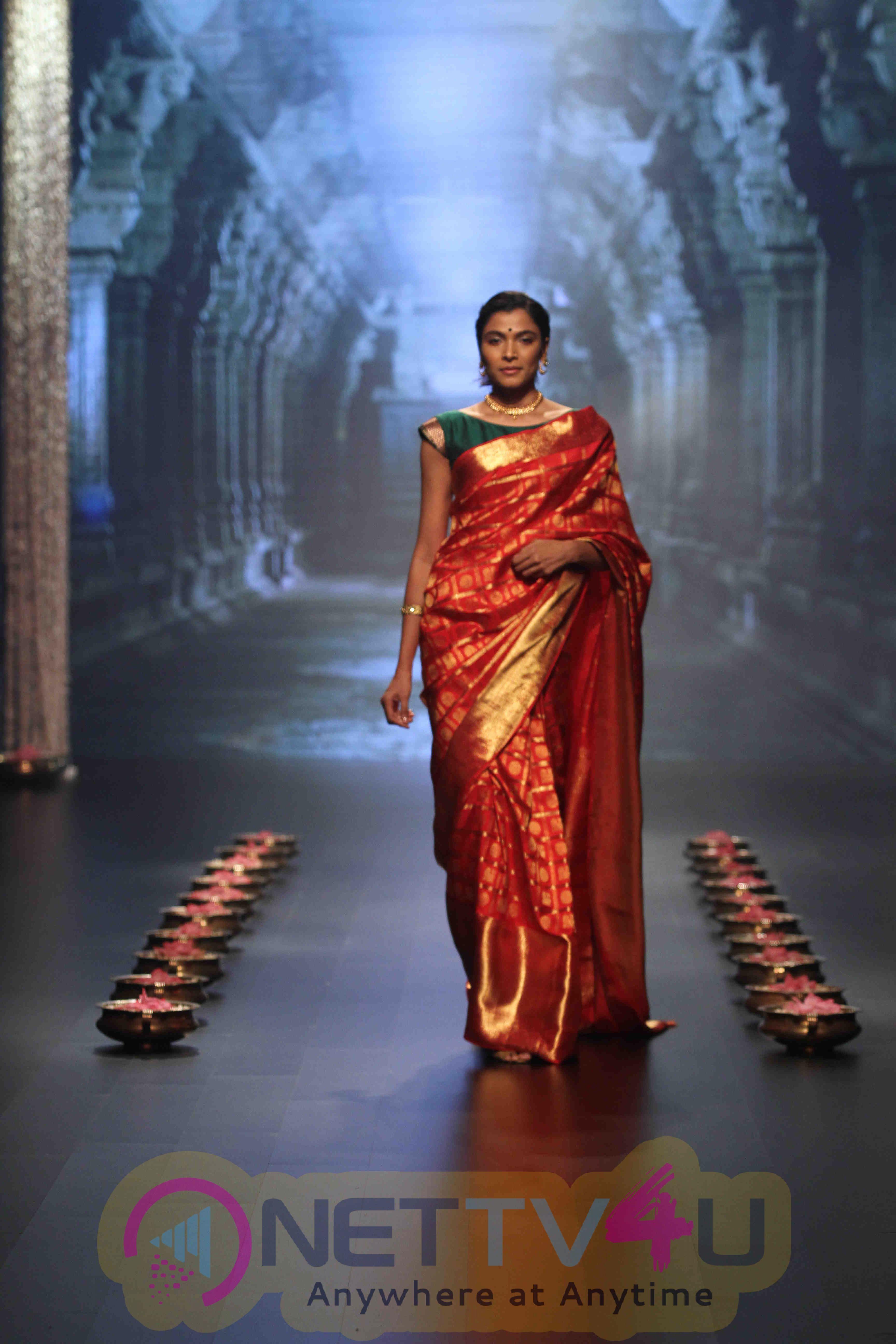 Dia Mirza Walks For Santosh Parekh At Lakme Fashion Week Winter Festive 2016 Photos