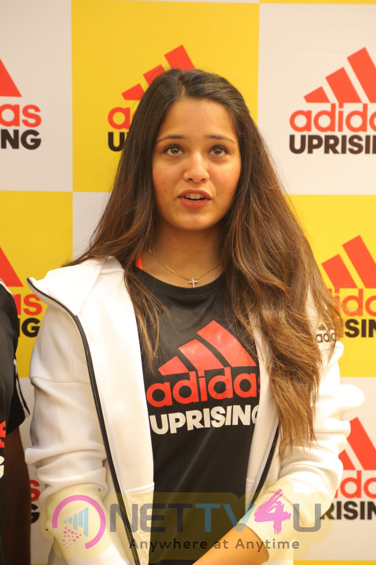 Dipika Pallikal At The Beginning Of Adidas Uprising At Phoenix Market City Photos Tamil Gallery