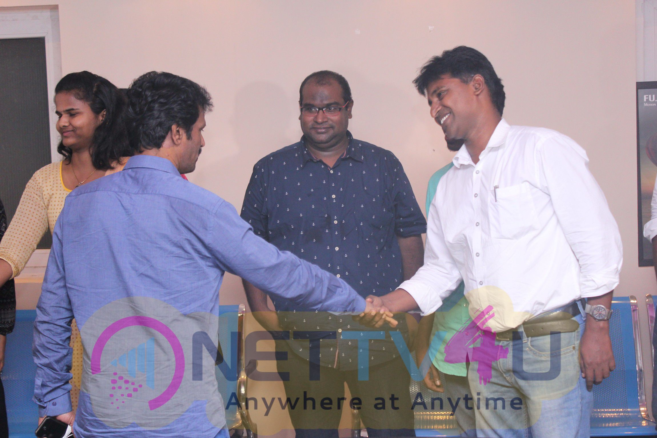 Director Sasi,Balaji Sakthivel,Cheran & Producer Dhananjayan Watching Oru Naal Koothu Tamil Movie Photos