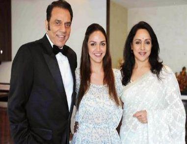 Dharmendra And Hema Malini Celebrated Their 36th Wedding Anniversary!
