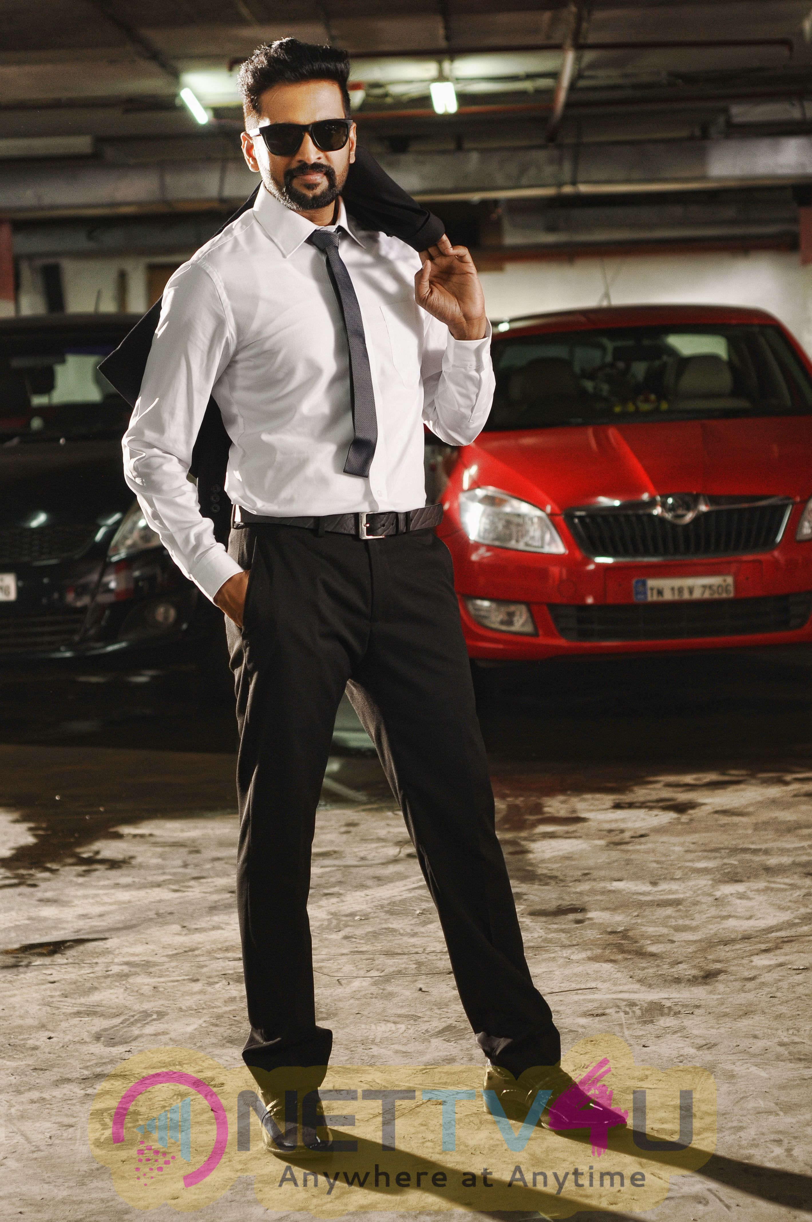 Dhilluku Dhuddu Tamil Movie  Latest Stills