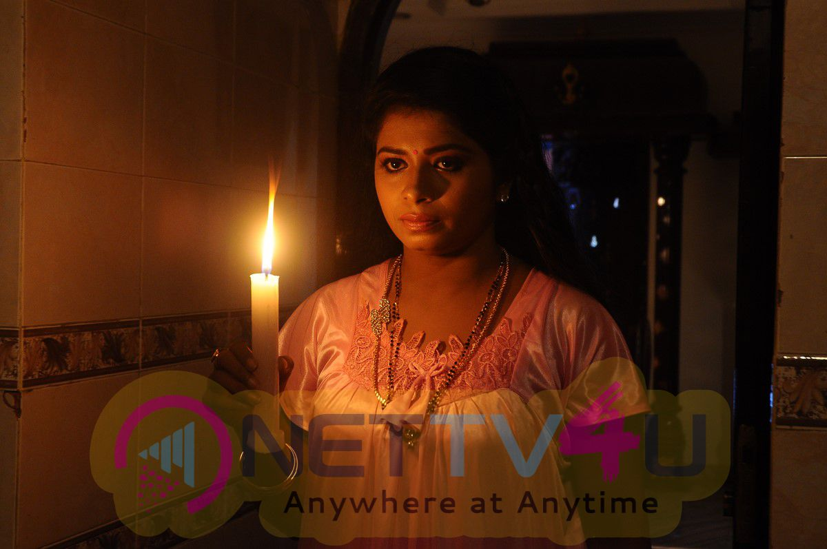 English Padam Tamil Movie Exclusive Stills