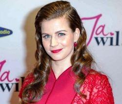 Elise Schaap English Actress