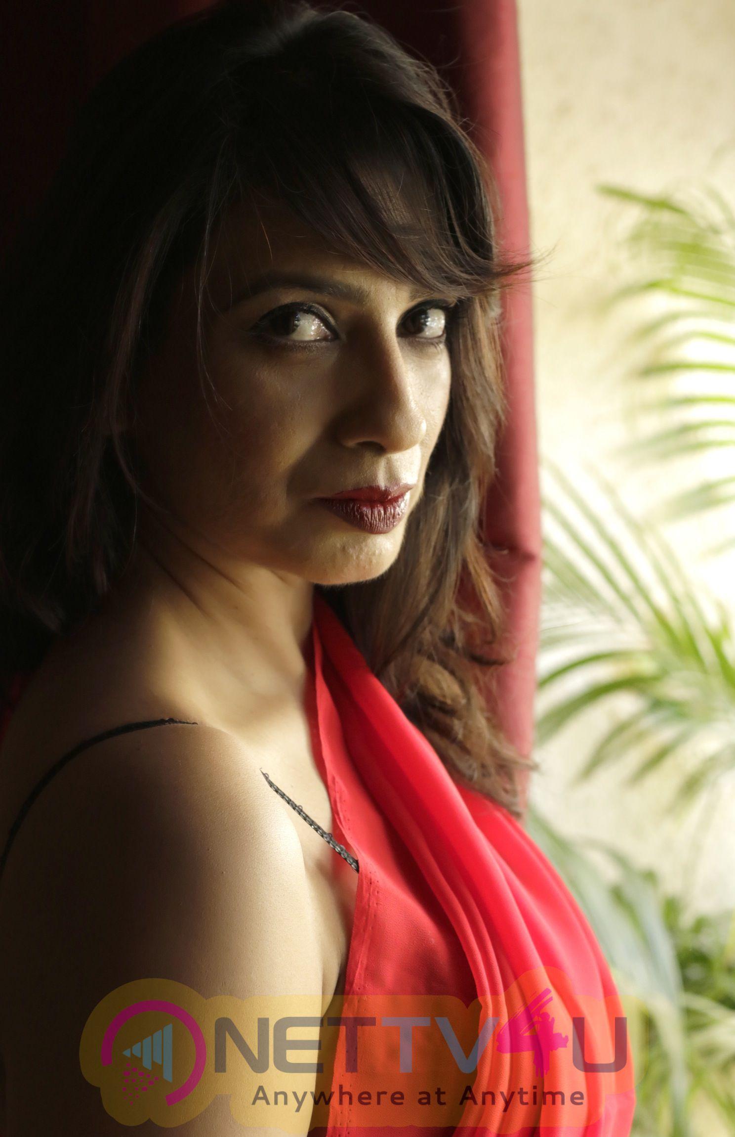 Films Hunterrr Fame Haanssa At Valentine Day 2016 Sensual Photo Shoot Images