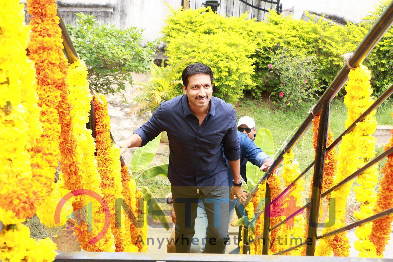 Gopichand And Sampath Nandi Movie Opening Photos