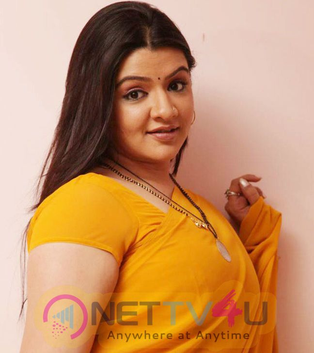 Gorgeous Actress Aarthi Agarwal Hot And Sizzling Images Telugu Gallery