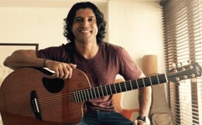 Guitar Gifted To Farhan Akhtar
