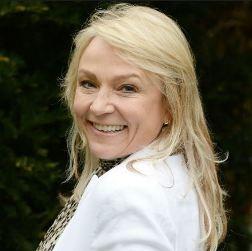 Helen Fielding English Actress