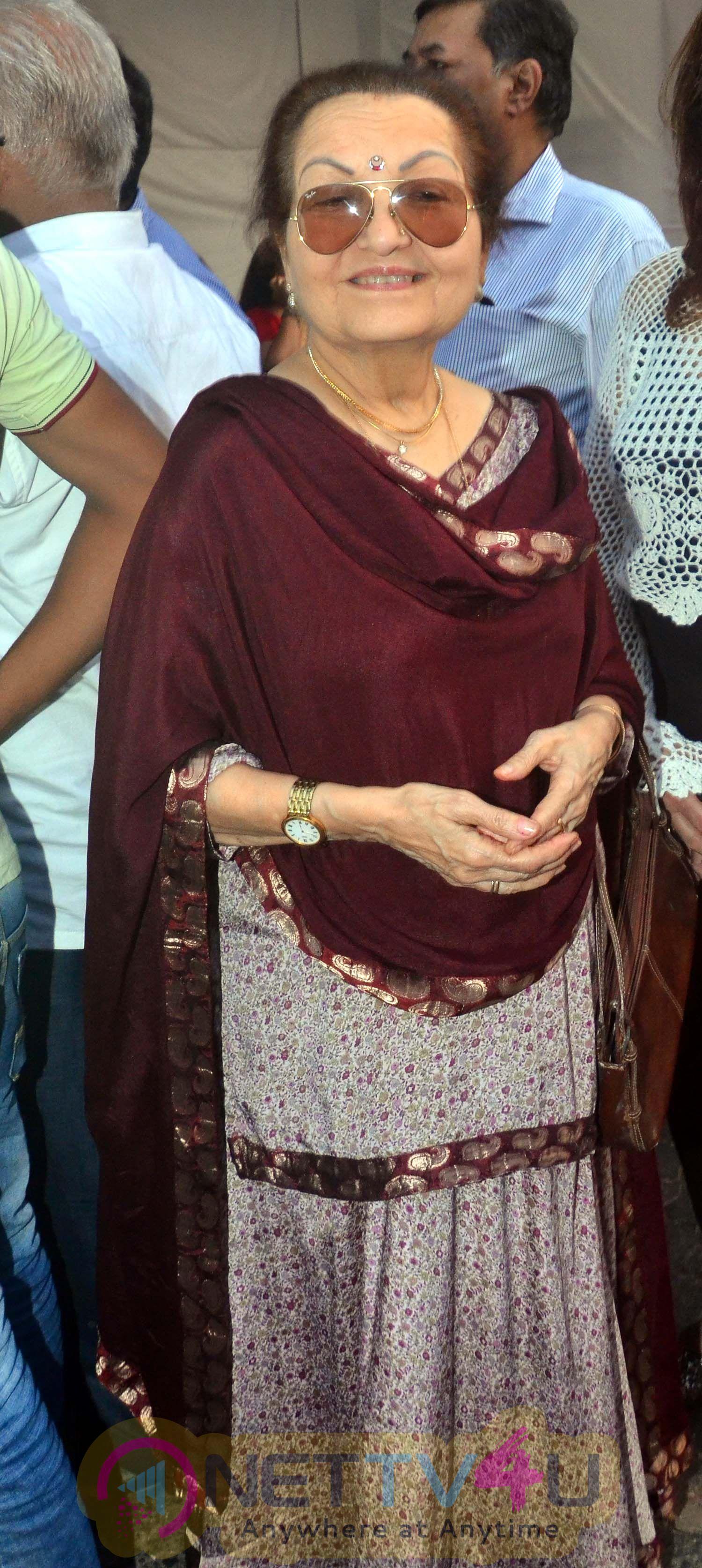 Hema Malini & Divya Jain Inauguration Of Shri Ravindra Jain Chowk Cute Photos