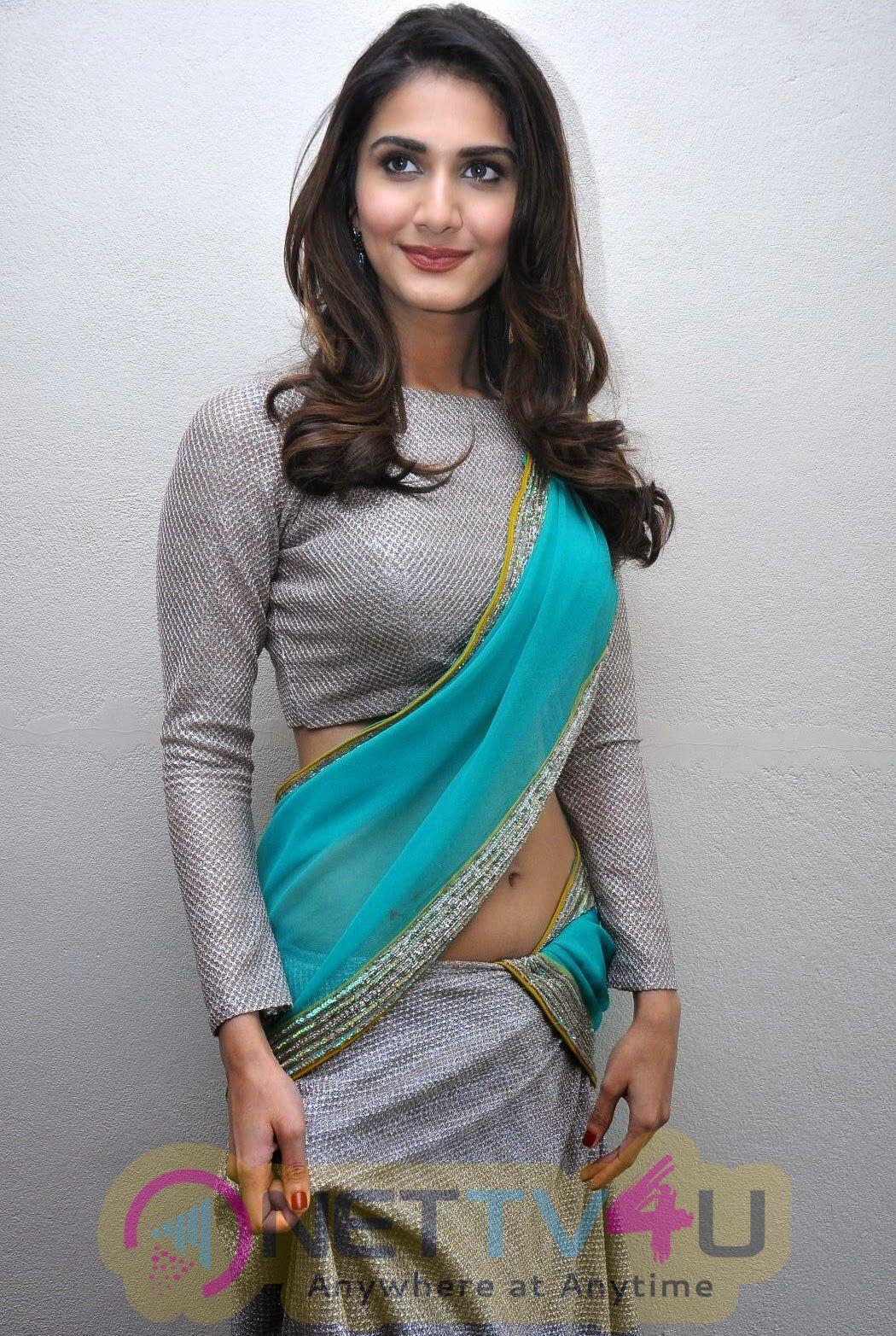 Hindi Actress Vaani Kapoor Hot Latest Photos