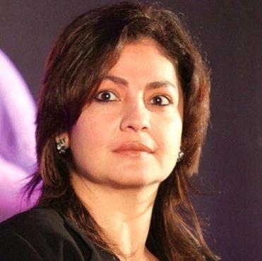 I'm Aggressively Single, Says Pooja Bhatt
