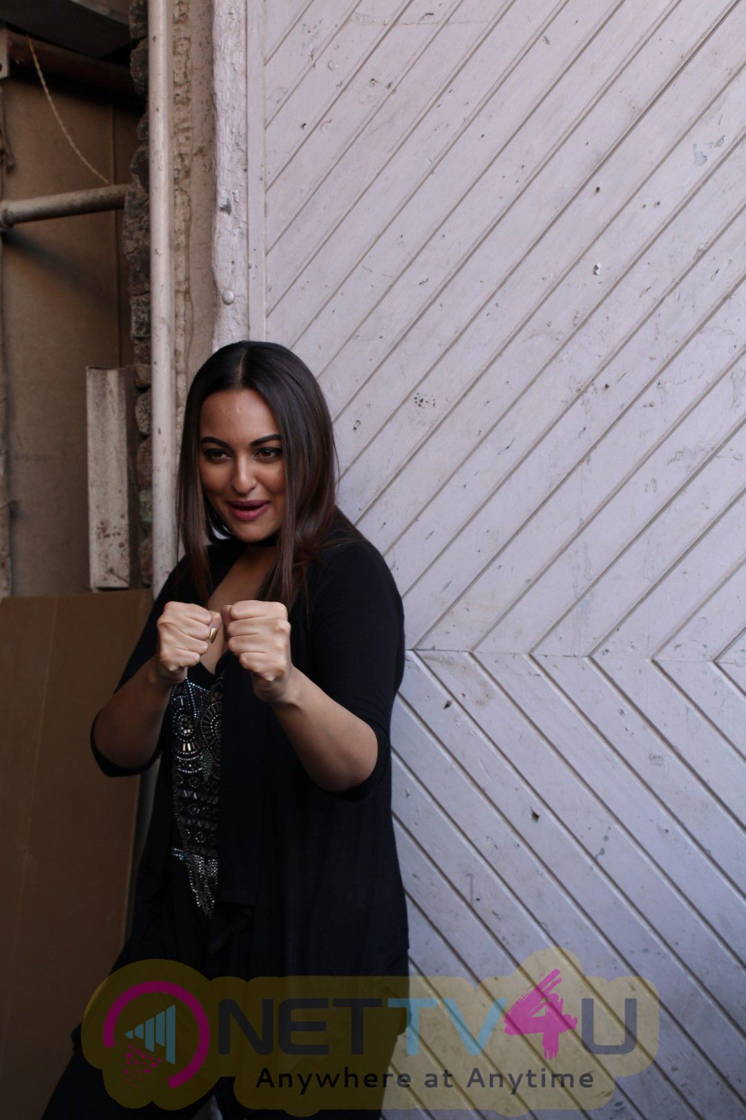 Interview With John Abraham ,Sonakshi Sinha ,Tahir Bhasin & Abhinay Deo For Flim Force 2 Photos