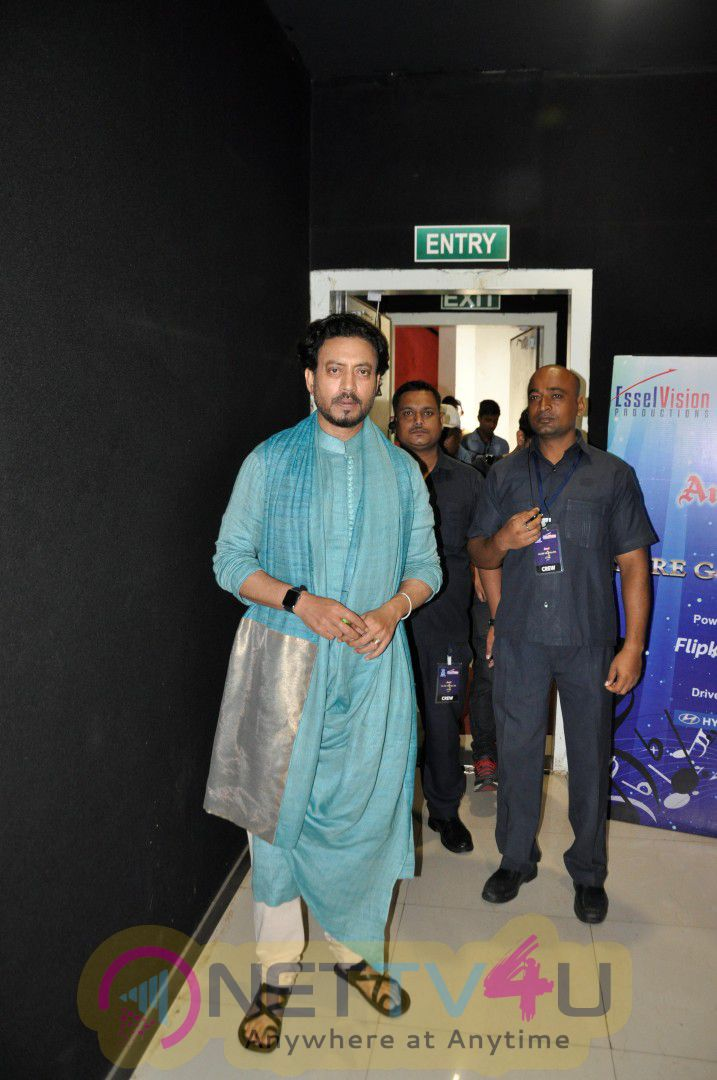 Irrfan Khan Promotes Madaari On Set Of Sa Re Ga Ma Elegant Photos