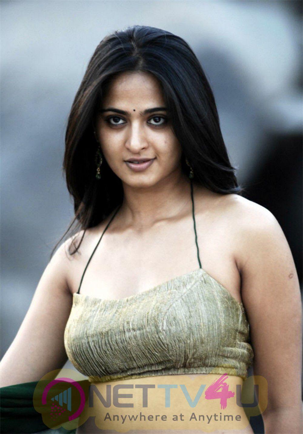 Indian Film Actress Anushka Shetty New Stills