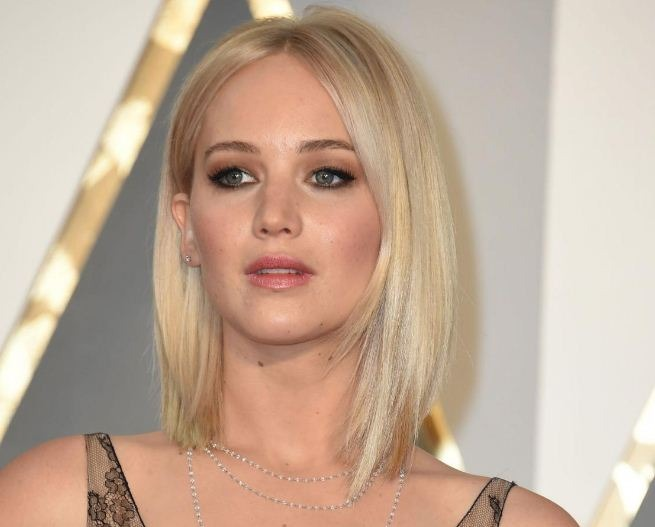 Jennifer Lawrence On Detox As Per Parents' Advice!