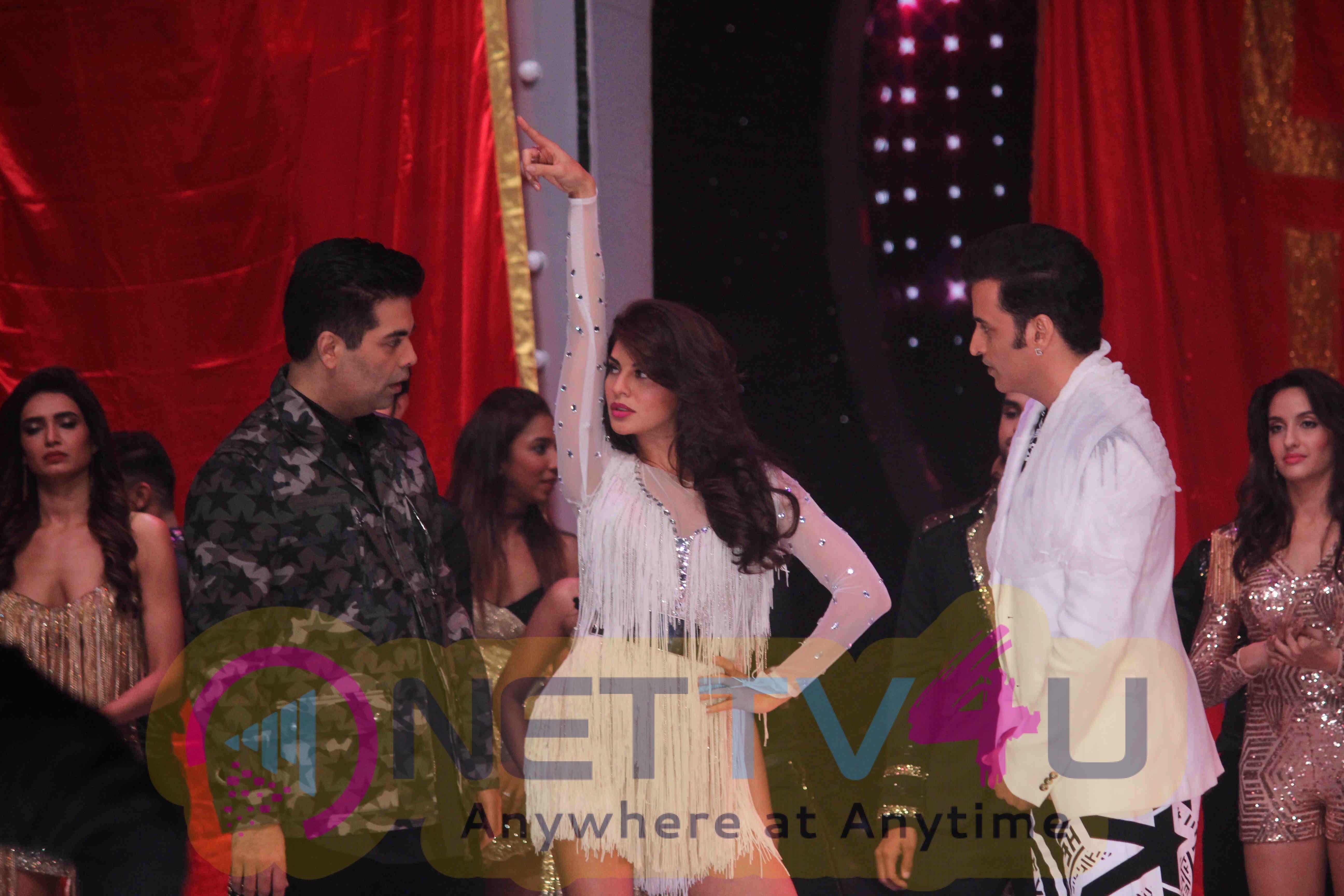 Jhalak Dikhhla Jaa Television Show Attractive Photos