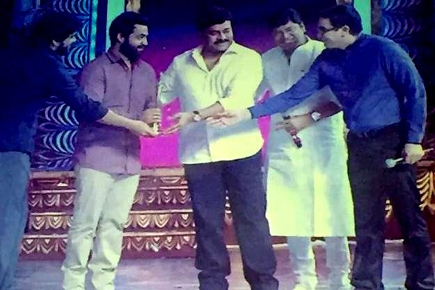 Jr Ntr Wins The Best Actor Award In CineMaa Awards!