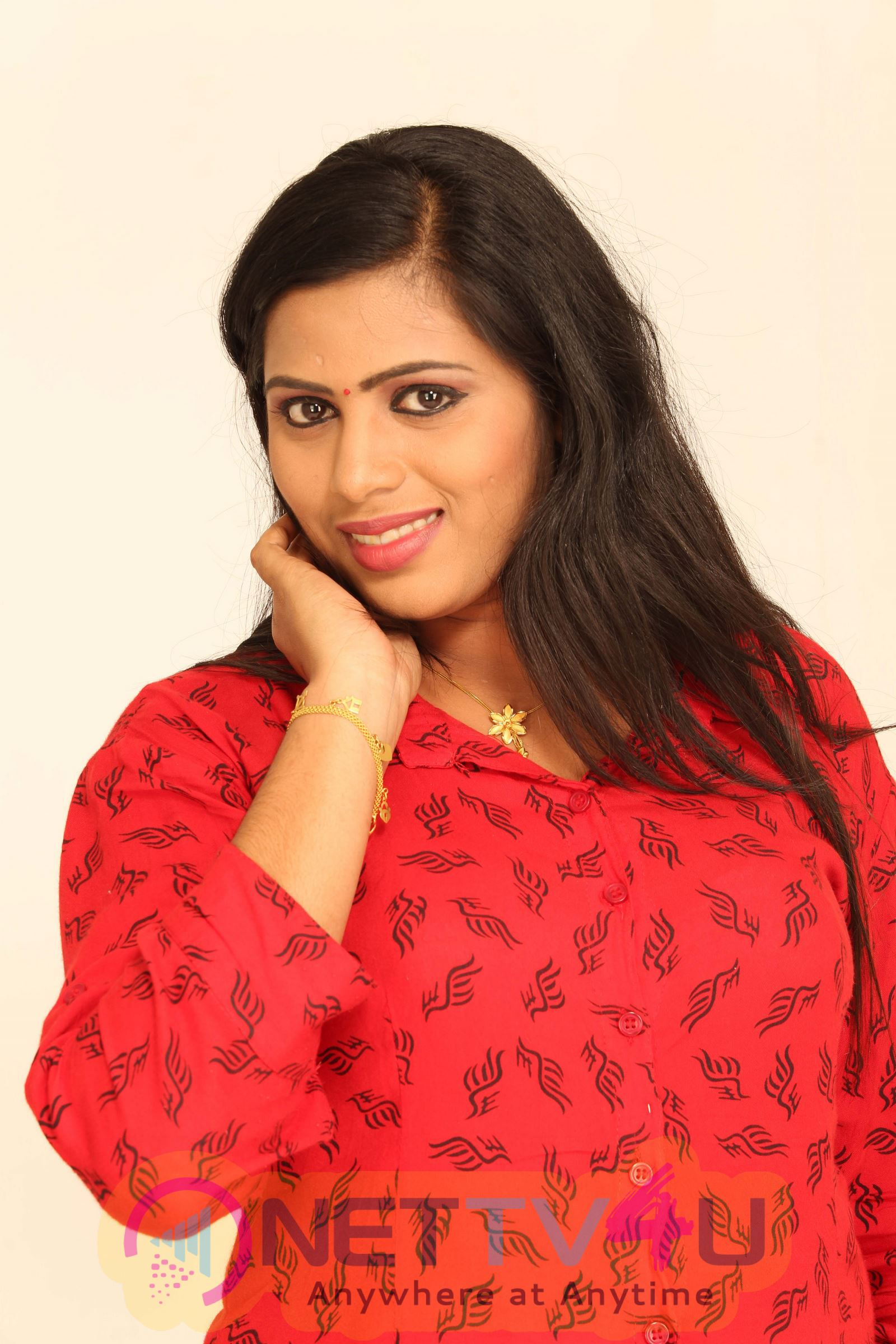 Jaga Tamil Movie Attractive Stills And Cute Posters