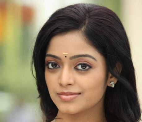 Janani Iyer To Join With Darling 2 Actor!