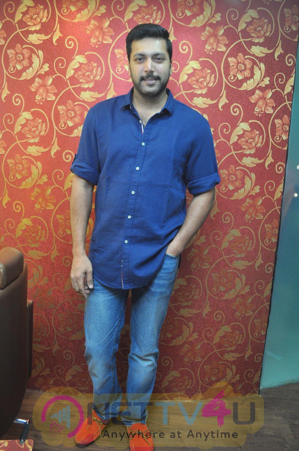 Jayam Ravi Inaugurates Essensuals Salon At Adyar Stills