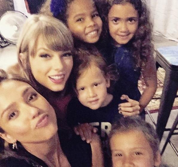 Jessica Alba Finds Taylor Swift A Cutie Patooti..