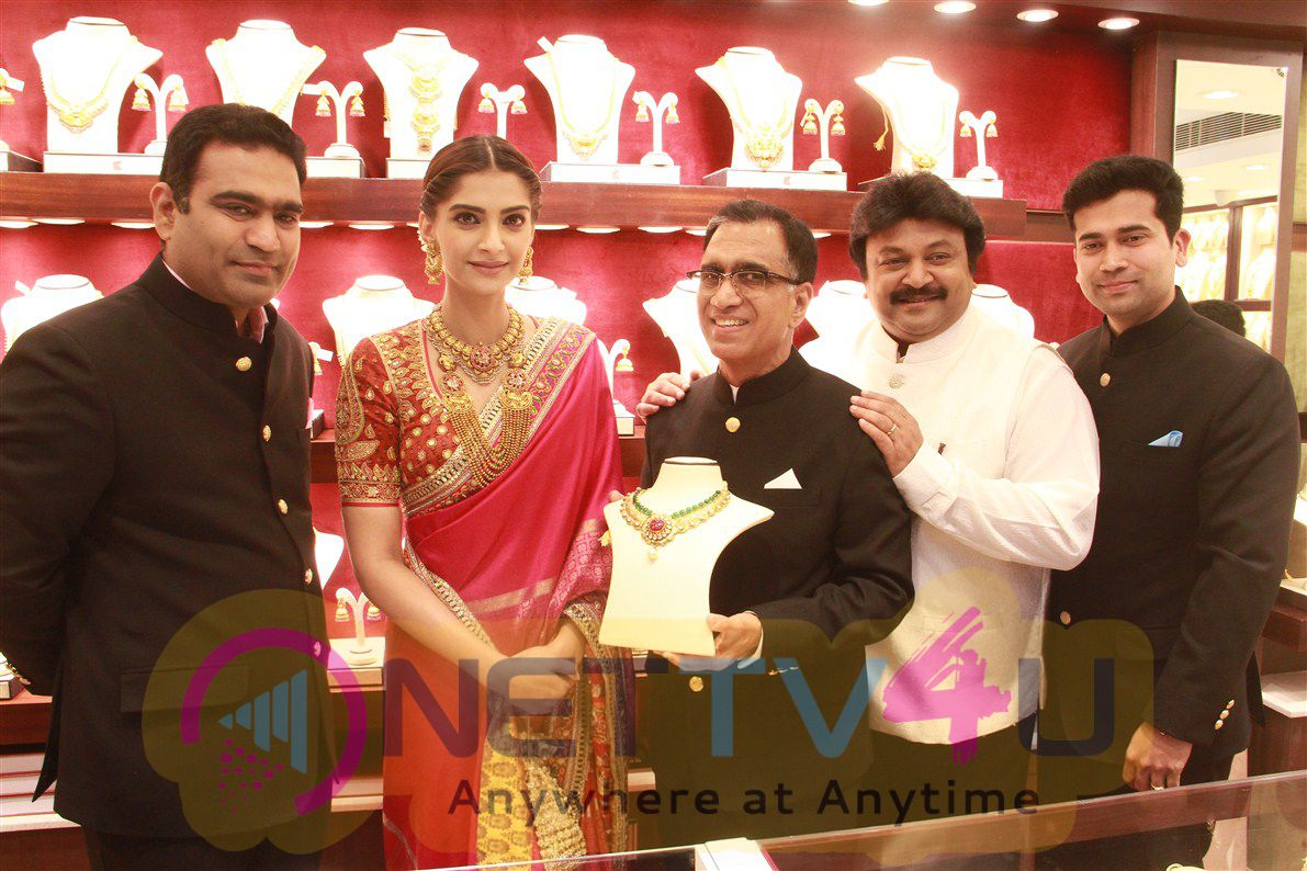 Kalyan Jewellers Inauguration At Anna Nagar Event Photos