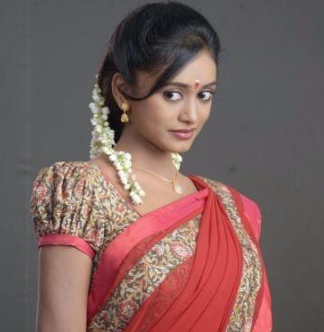 Kannada Girl Chandana Enjoys Her Telugu Days!