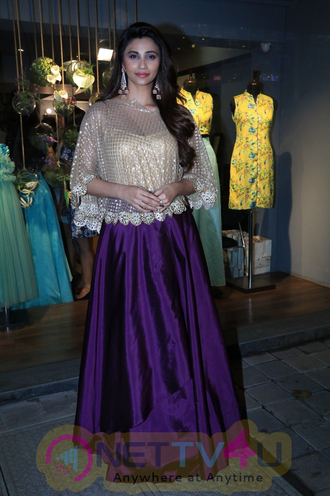 Karishma Kapoor At Amy Billimoria House Of Design Launch Festivel Collection Stills