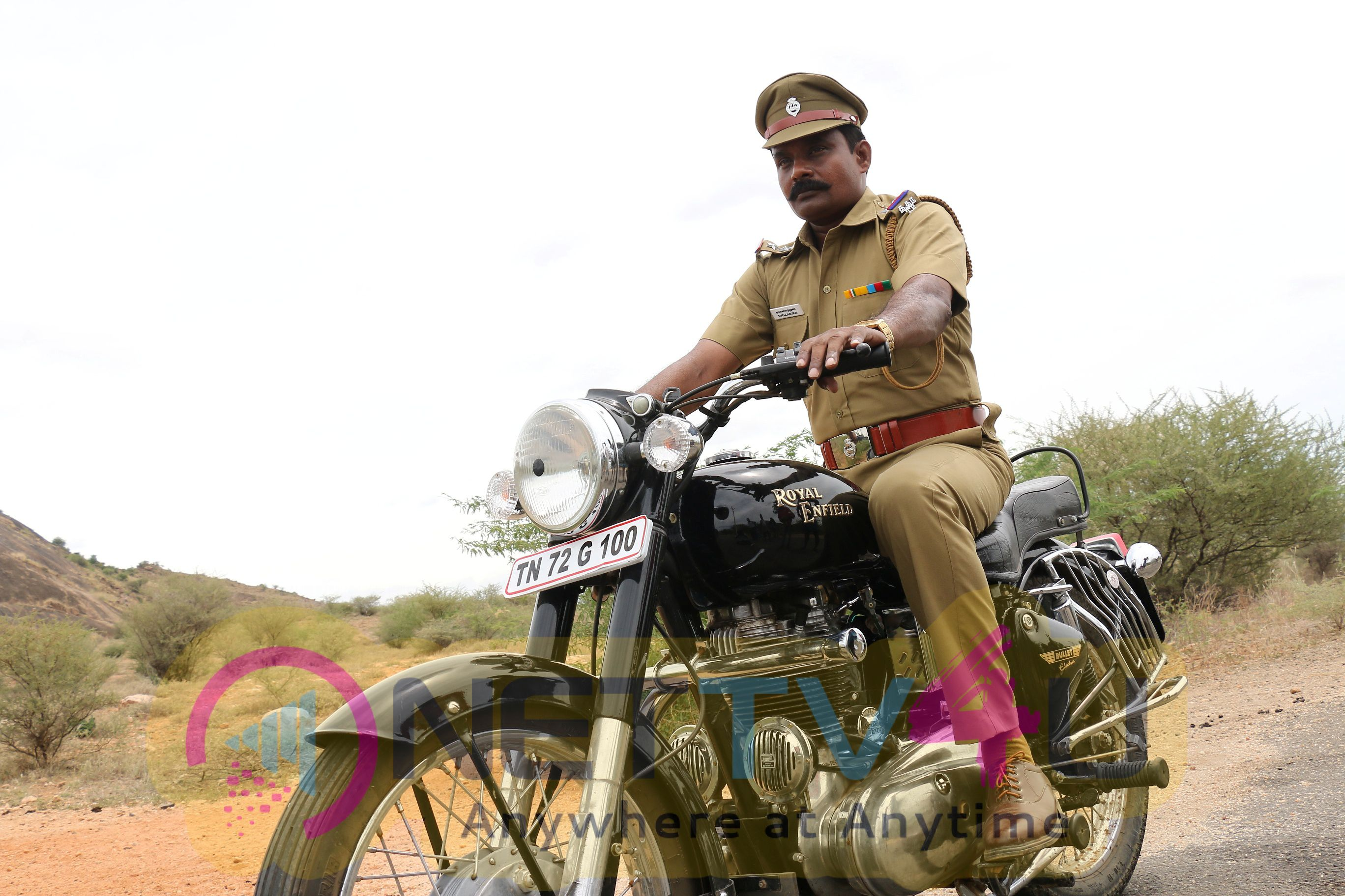 Kathiravanin Kodai Mazhai Tamil Movie Latest Pictures