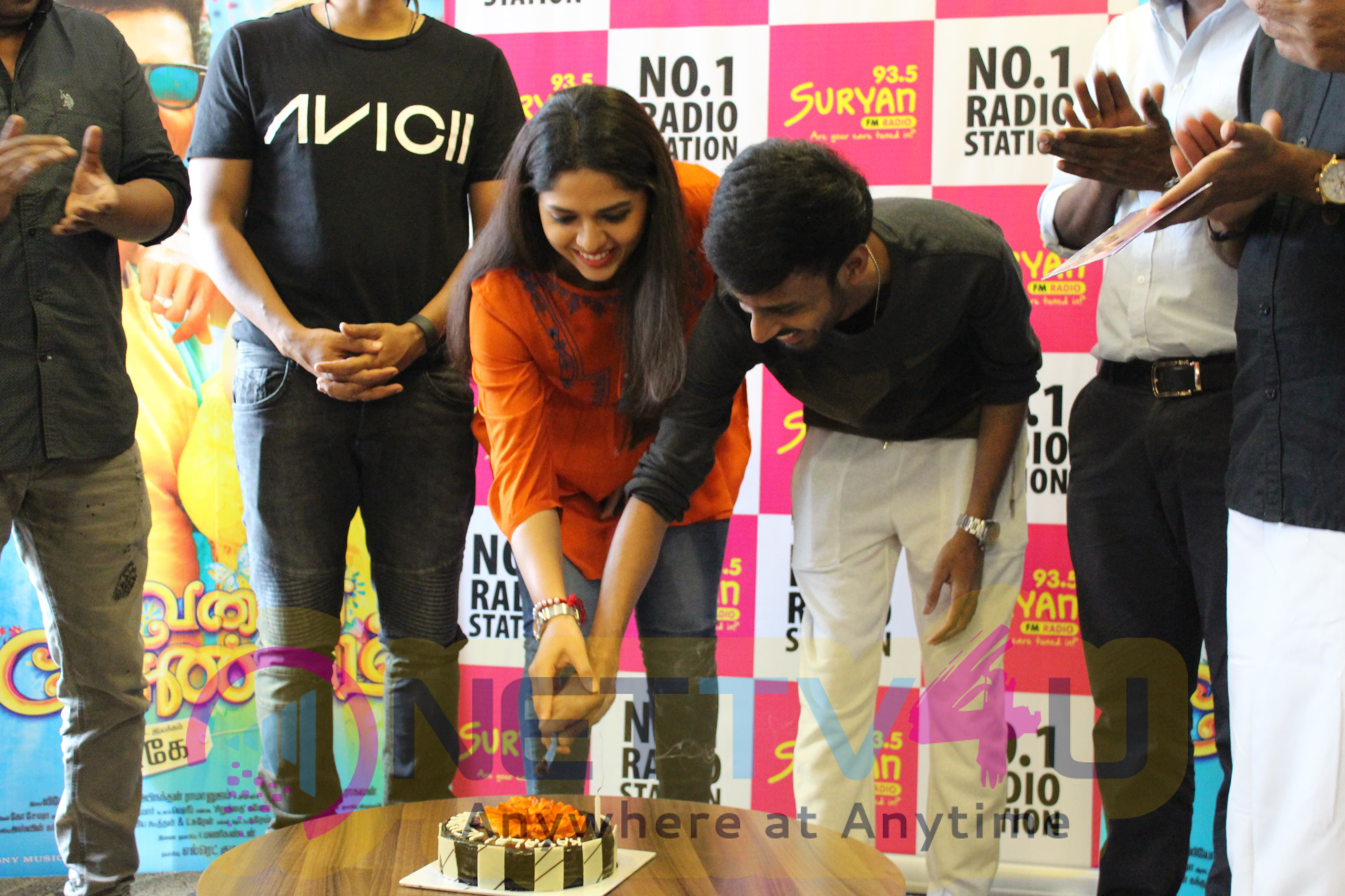 Kavalai Vendam Tamil Movie Music Launch Photos