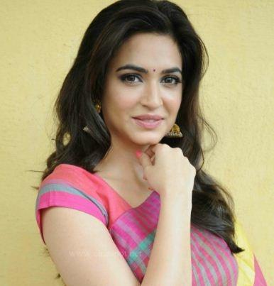 Kriti Kharbanda Dubs Her Voice In Bollywood Flick!