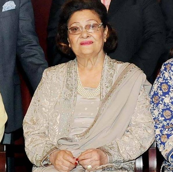 Krishna Raj Kapoor Back From Hospital To Be With Her Loved Ones