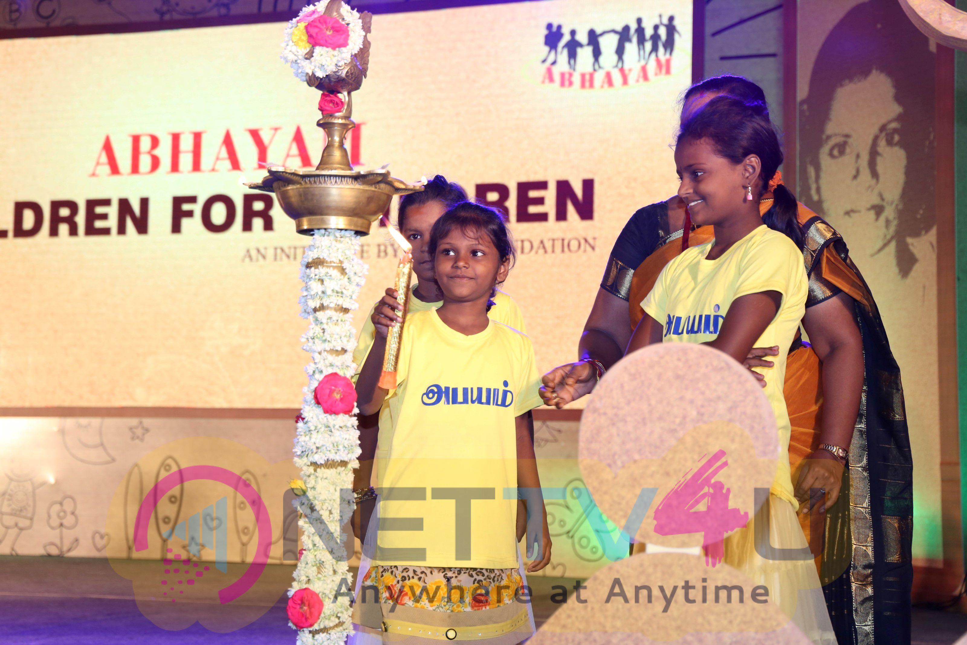 Latha Rajinikanth Daya Foundations Project Abhayam Stills