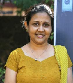 Lyricist Parvathy Tamil Actress