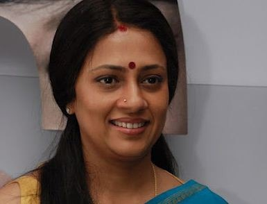 Lakshmy Ramakrishnan Files A Suit Against Vijay TV!