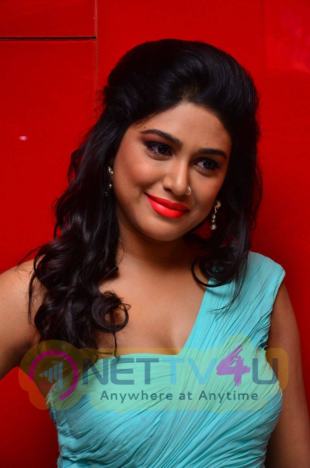 latest photos of actress manisha yadav at trisha illana nayanthara movie trailer launch 1