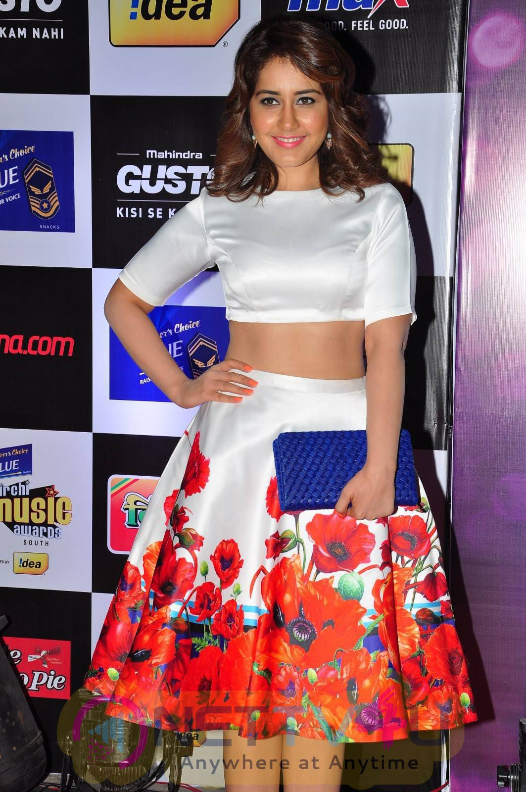 Latest Stills Of Actress Rashi Khanna At Mirchi Music Awards 2014 Red Carpe