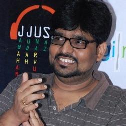 M L R Karthikeyan Tamil Actor