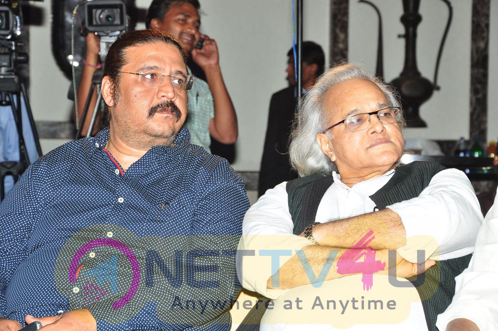 Megastar Chiranjeevi At Film Industry Workers Felicitation Photos Telugu Gallery