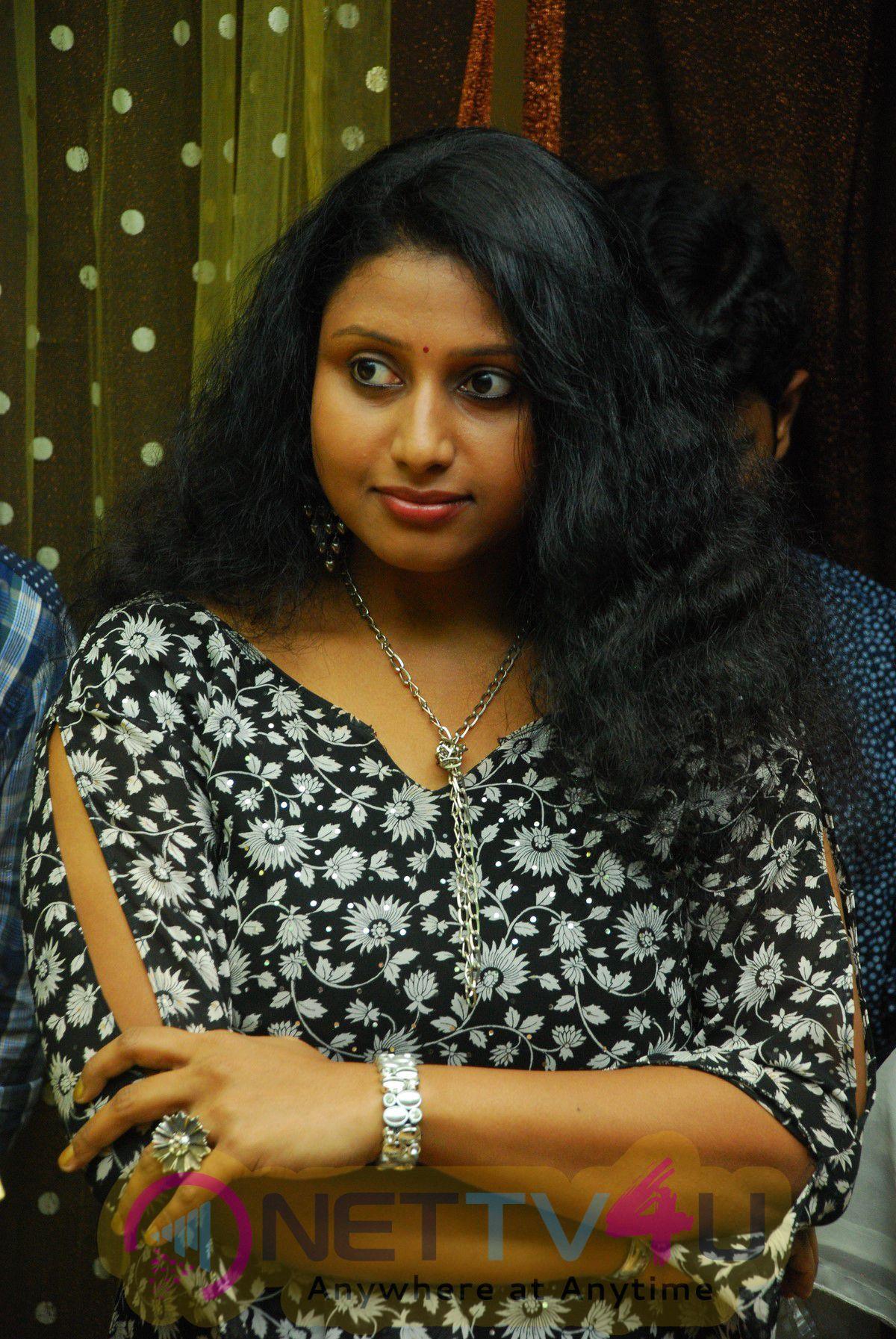MeiMai Tamil Movie Glamorous Stills
