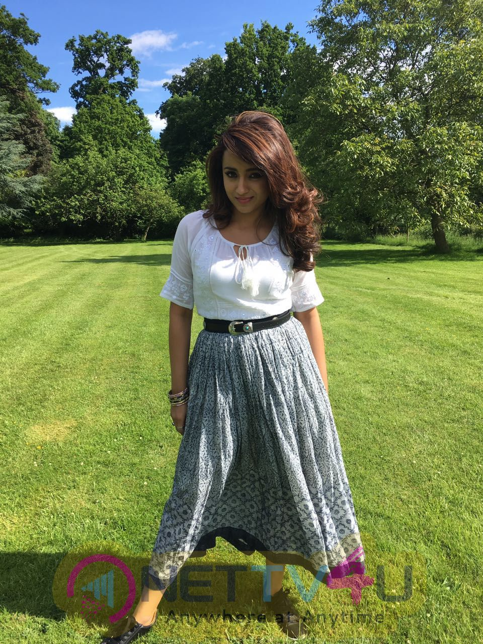 Mohini Tamil Movie Shooting At UK Attractive Stills