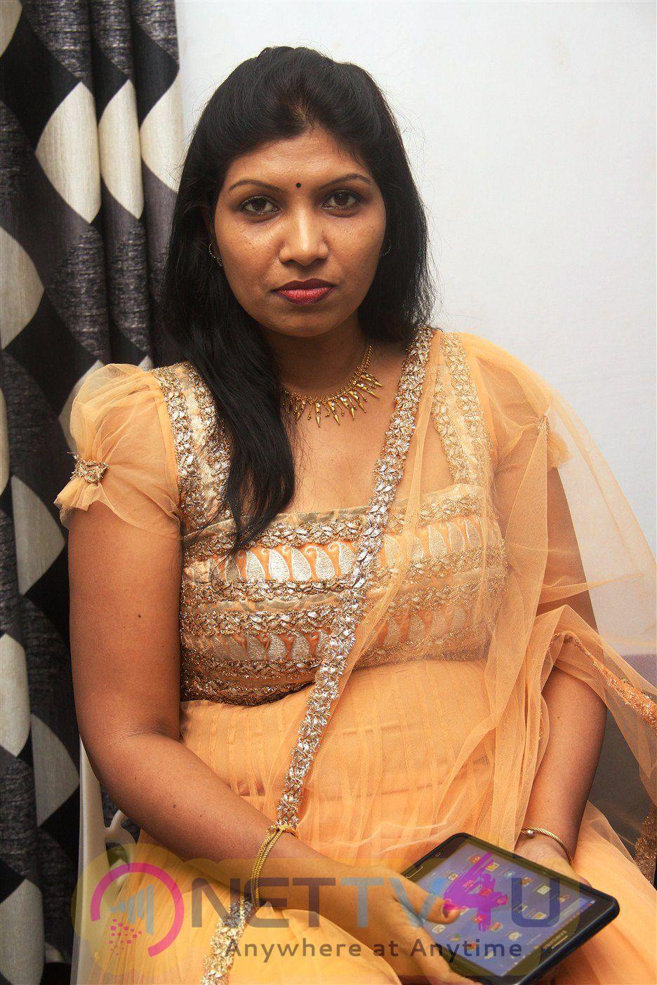 Mukkudal Tamil Movie Launch Beautiful Photos