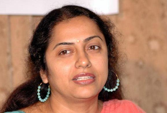 Maniratnam's Wife Suhasini Makes Her Debut In Bollywood!